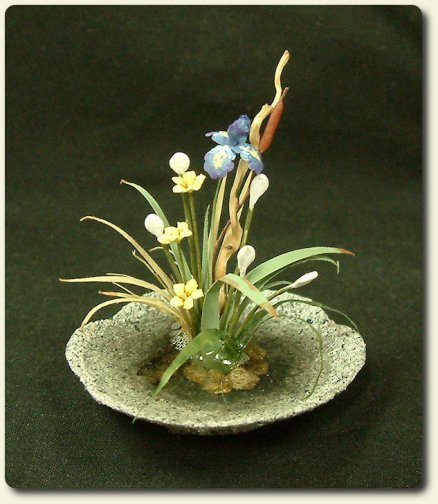 CDHM artisan and IGMA Fellow Era Anderson Pearce, dollhouse miniature flowers, plants and trees in 1:12 scale