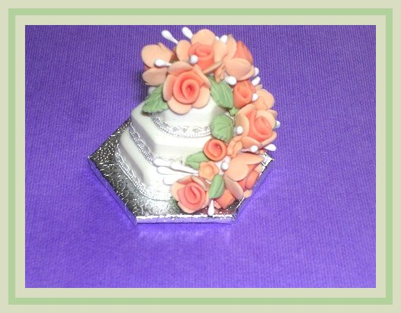Learn to make a miniature 1:12 scale three layer wedding cake with Vicki Sharkey